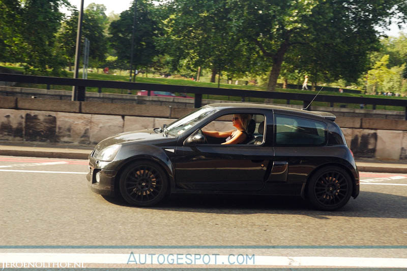 renault clio v6 phase ii 11 august 2008 autogespot. Black Bedroom Furniture Sets. Home Design Ideas
