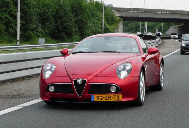 Alfa Romeo 8C Competizione