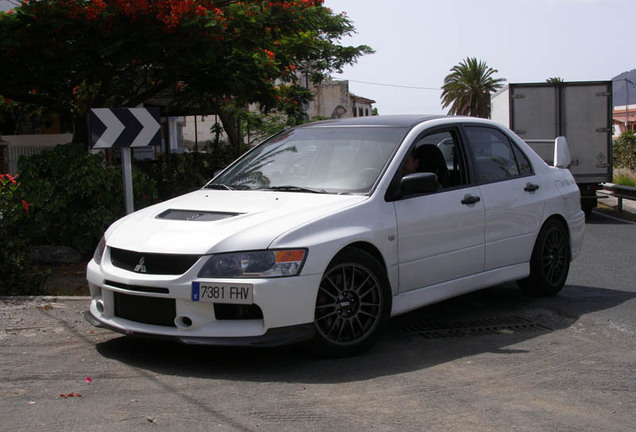 Mitsubishi Lancer Evolution IX MR FQ