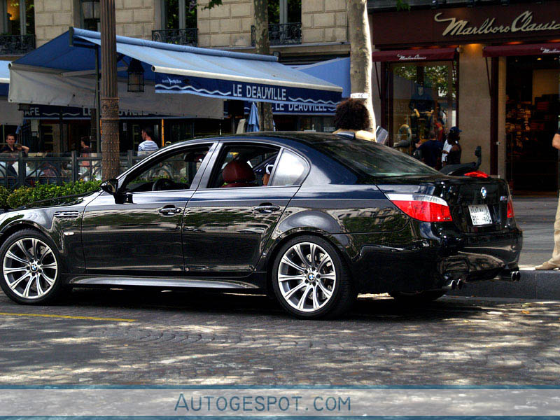 bmw m5 e60 2005 2 august 2008 autogespot. Black Bedroom Furniture Sets. Home Design Ideas